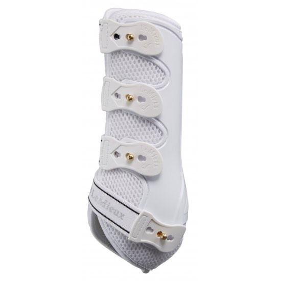 Snug boots white