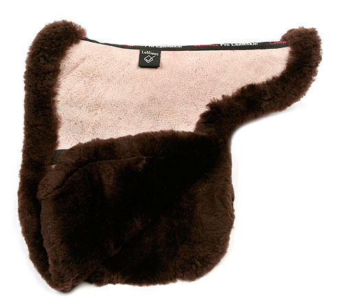Picture of lambskin showing numnah